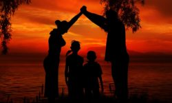 family-1466260_960_720
