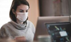 Zakrywanie ust i nosa obowiązkowe w pracy