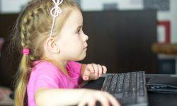 Bezpłatne kursy z nowych technologii dla dzieci z pieczy zastępczej